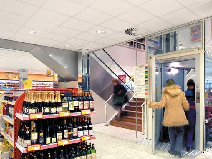 Mehr Komfort für Ihre Kunden - der Homelift BLH-D für Supermärkte