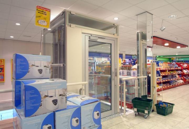 Erhöhte Mobilität auch in Einkaufscentern - der Aufzug BLH-D XL