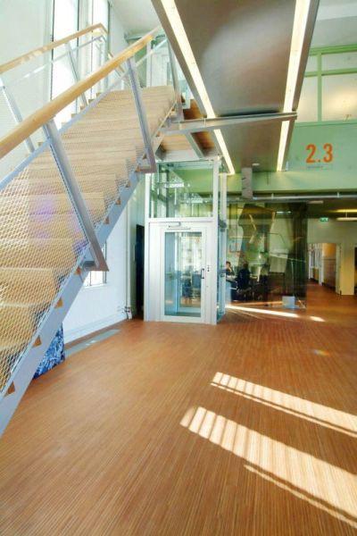 Auch für das Einkaufshaus bietet der Aufzug BLH-D ideal Abmaße...