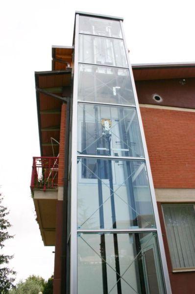 Mit Panoramablick - der Homelift BLH-D am Außenbereich