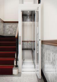 Der BLH-D XS ist fügt sich idealerweise in schmale Treppenverläufe ein