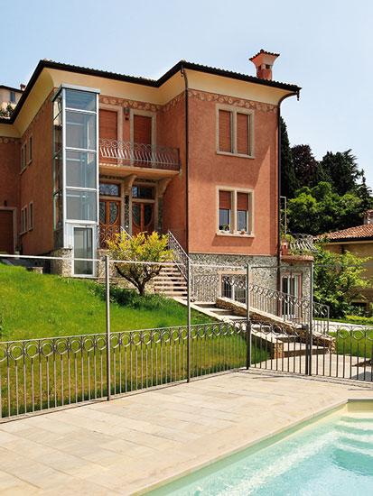 Panoramalifte der Serie BLH-D lassen sich auch ideal außen an Gebäuden installieren