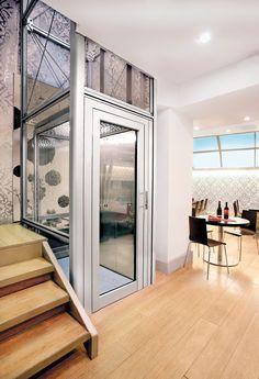 Der Homelift BLH-D ist die kostengünstige Alternative zum Aufzug und optisch in nichts nachstehend