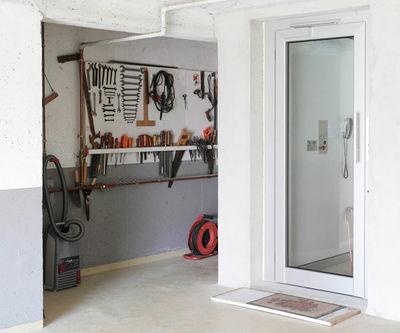 Homelift BLH-D eigenbaut im Eigenheim zur Überwindung der Stockwerke vom Keller bis zum Dach