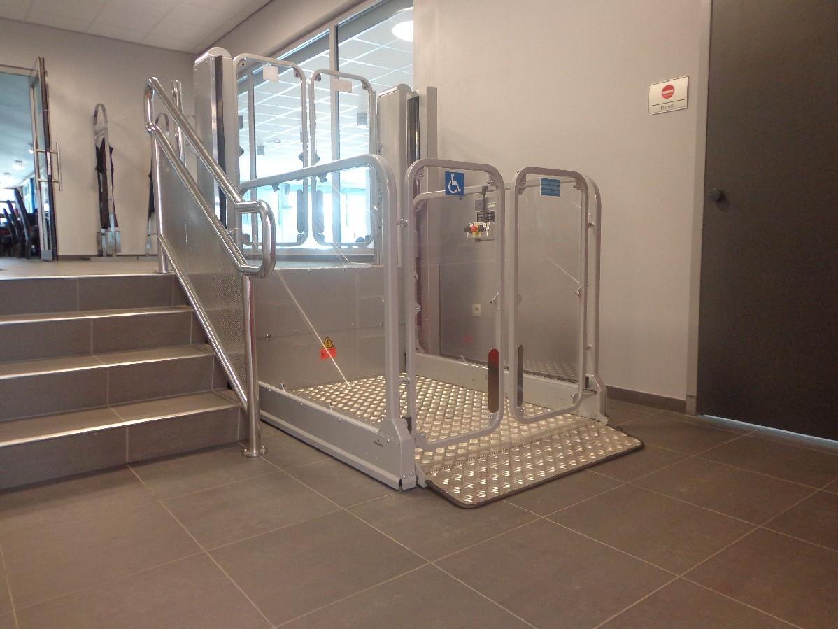 Rollstuhlhebebühne Modell BL-MPR von Lift Reith