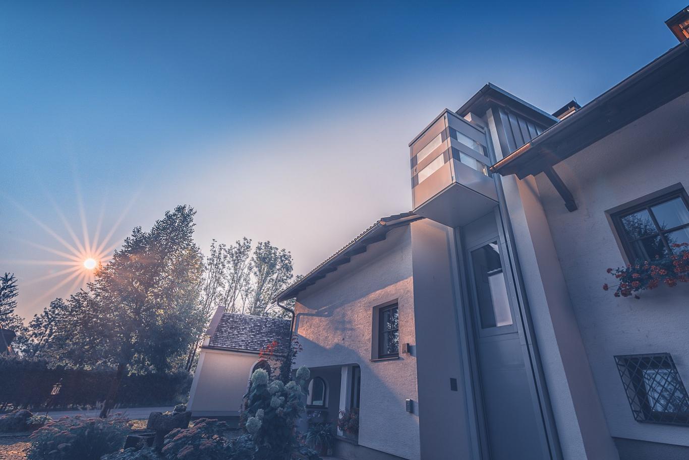 Der Homelift Quattroporte ist der elegante Aufzug für Ihr Wohngebäude