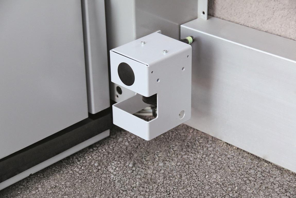 Dank einer Druckplatte sowie extra zusätzlich integrierten selbstüberwachenden Lasern bietet der Homelift QuattroPorte höchste Sicherheit