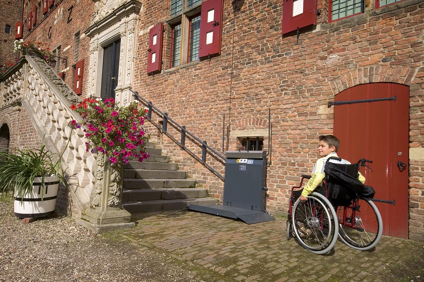 Der Rollstuhllift GTL-20 von Lift Reith ist die ideale, hochwertige und sichere Lösung zur Überwindung von Höhenunterschieden