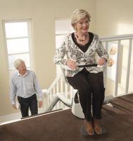 Treppenlifte für kurvige, gewendelte Treppen sowie mit Podesten
