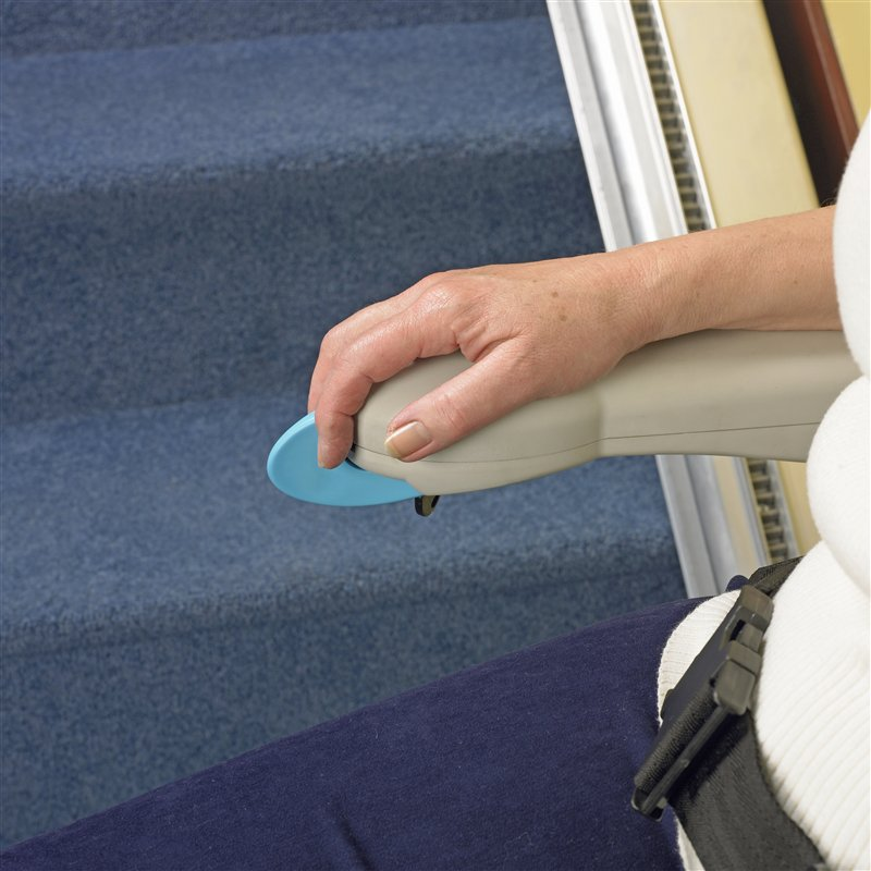 Griffe des SIMPLY Treppenliftes für gerade Treppen